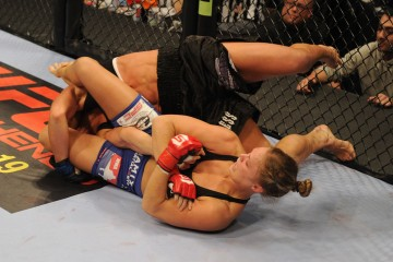 Ronda Rousey armbars Julia Budd (Strikeforce.com)