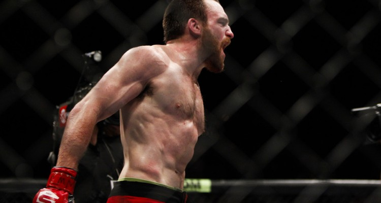 Pat Healy celebrates his win over Maximo Blanco (Esther Lin/MMA Fighting)