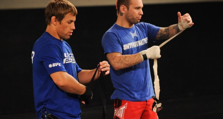 Chris Saunders (R) prepares with his coach Urijah Faber (The Ultimate Fighter/Facebook)