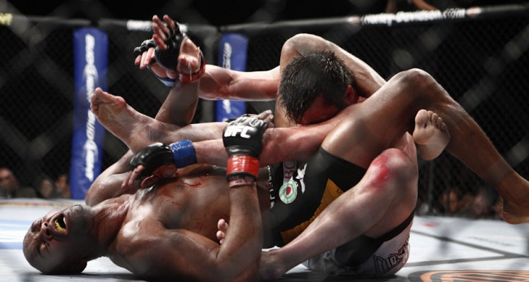 Anderson Silva submits Chael Sonnen at UFC 117 (Esther Lin/AOL)