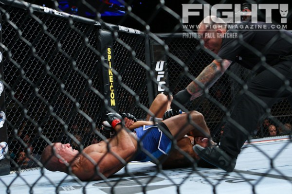 Brandao (L) secures an armbar (Paul Thatcher/Fight! Magazine)