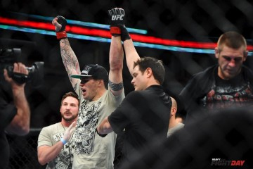 Chris Camozzi celebrates victory (James Law/Heavy MMA)