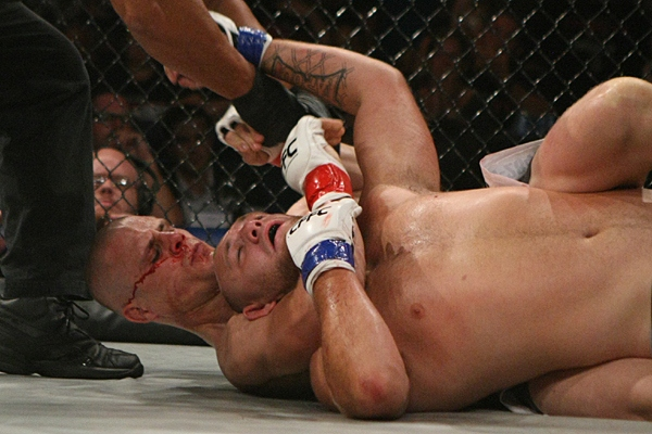 Williams chokes out Rumsey (Keith Mills/Sherdog)