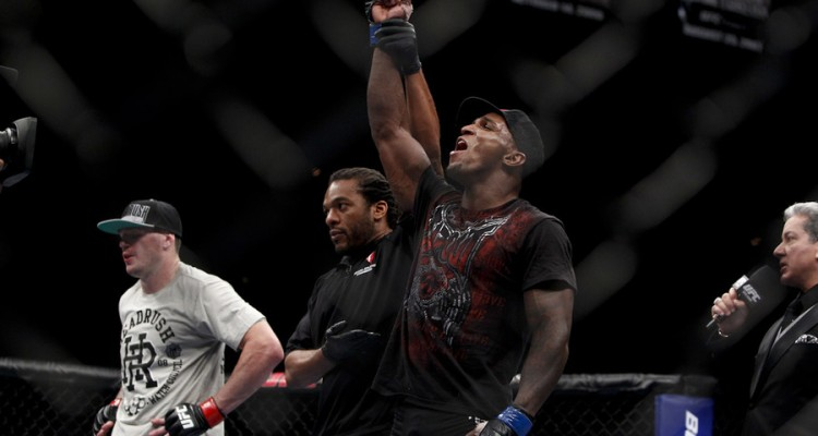 Carmont celebrates victory (Esther Lin/MMA Fighting)