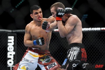Efrain Escudero (L) connects with a punch (James Law/Heavy MMA)