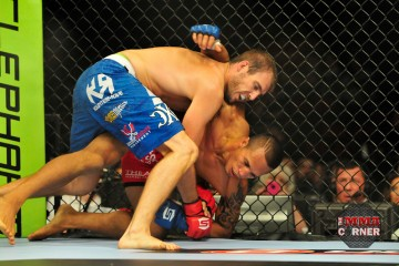 Ryan Couture (blue trunks) (Phil Lambert/The MMA Corner)