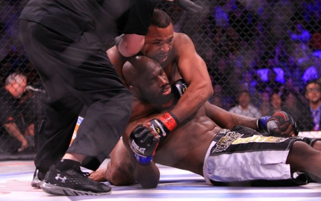 Newton catches 'King Mo' after knocking him out (Jeff Sherwood/Sherdog)