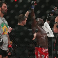 Anthony Johnson (R) celebrates (Dave Mandel/Sherdog)