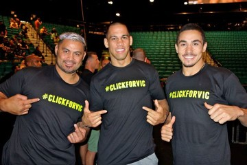 Mark Hunt, James Te Huna and Robert Whittaker Support ClickforVic (Facebook.com/ClickForVic)