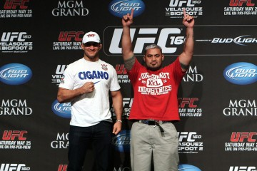 Junior Dos Santos (L) stands with Mark Hunt (E. Casey Leydon/MMA Fighting)