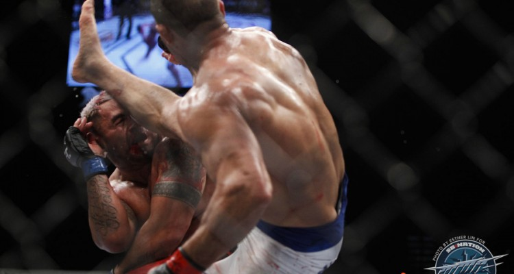 """""""Cigano"""" knocked out Mark Hunt with his spinning back kick, earning another title shot along with it (Esther Lin/MMA Fighting)"""