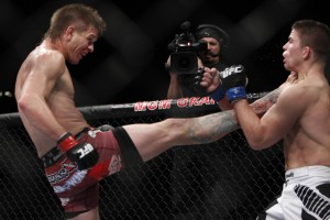 Mike Pyle (l) edged Rick Story by split decision at UFC 160, making it four victories in a row (Esther Lin/MMA Fighting)