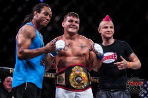 Jack Marshman (center) (Jade Kimmel/The MMA Corner)