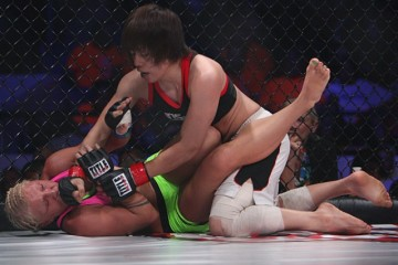 Ayaka Hamasaki (top) delivers ground and pound (Dave Mandel/Sherdog)