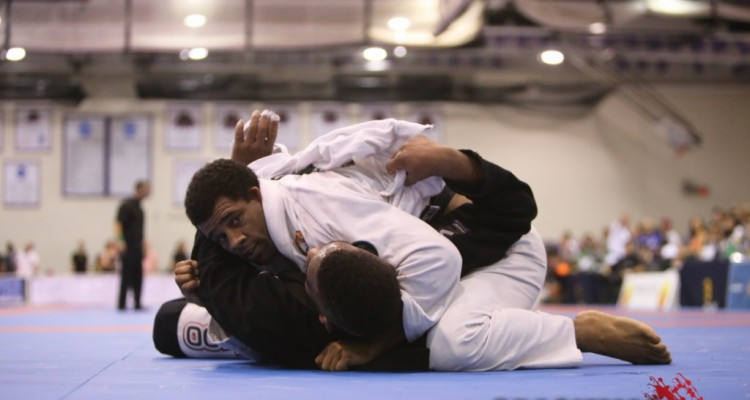 Vitor Oliveira (top) (Erin Herle/Gracie Mag)