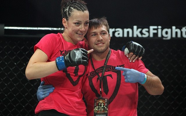 Veronica Rothenhausler (L) poses after her win (Dave Mandel/Sherdog)