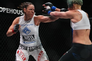 Tara LaRosa (L) throws a punch (Dave Mandel/Sherdog)
