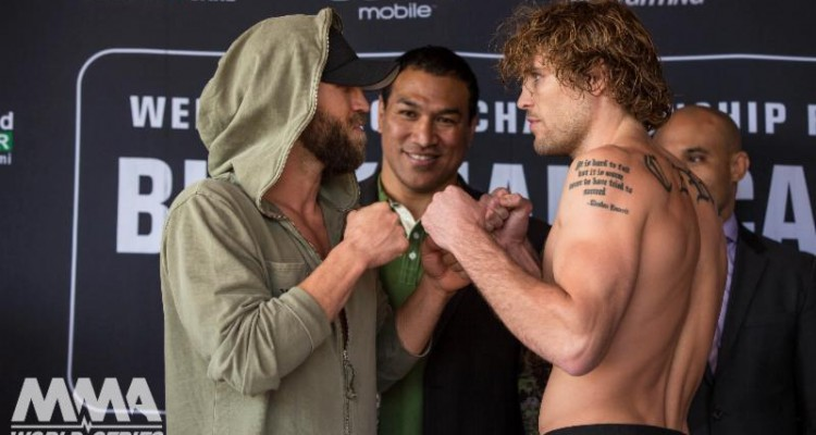 Josh Burkman (L) faces off with Steve Carl (World Series of Fighting)