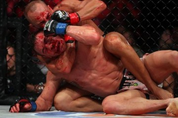 Eddie Alvarez (rear) works to choke Michael Chandler (Dave Mandel/Sherdog)