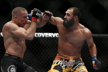 Johny Hendricks (R) (Esther Lin/MMA Fighting)