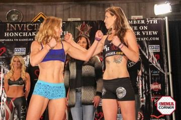 Barb Honchak vs. Leslie Smith