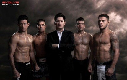 Chatri Sityodtong (center) (Evolve MMA)