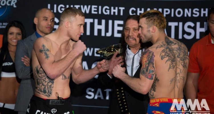 Justin Gaethje (L) faces off with Rich Patishnock (Lucas Noonan/WSOF)
