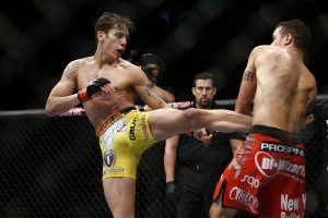 Mike Ricci (L) (Esther Lin/MMA Fighting)