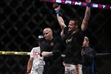 James Krause (R) (Esther Lin/MMA Fighting)