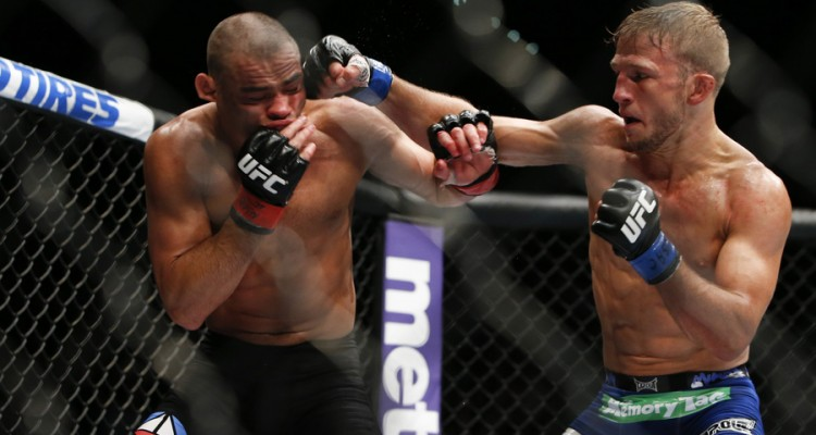 Renan Barão (L) vs. T.J. Dillashaw (R) at UFC 173 (Eshter Lin/MMA Fighting)