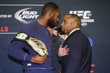 Jones Jones (L) vs. Daniel Cormier (RO) (Esther Lin/MMAFighting)