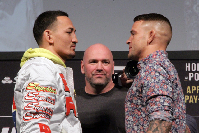 Max Holloway (l) and Dustin Poirier (Mike Sloan/Sherdog)